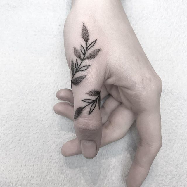 130+ Best Tattoo Ideas to Decorate your Finger