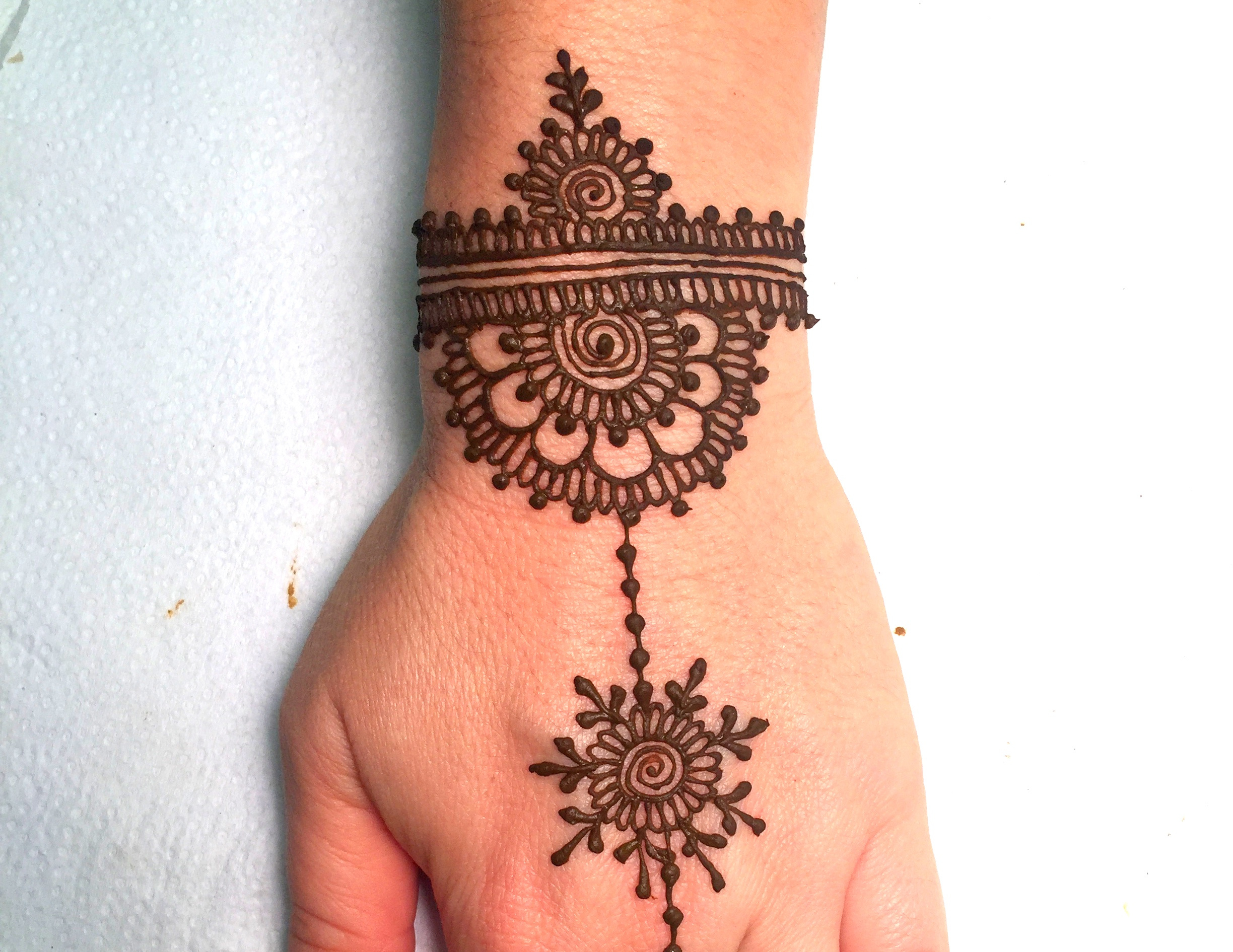 115 Eye Catching Henna Tattoo Design Ideas For Special Occasion Body Tattoo Art