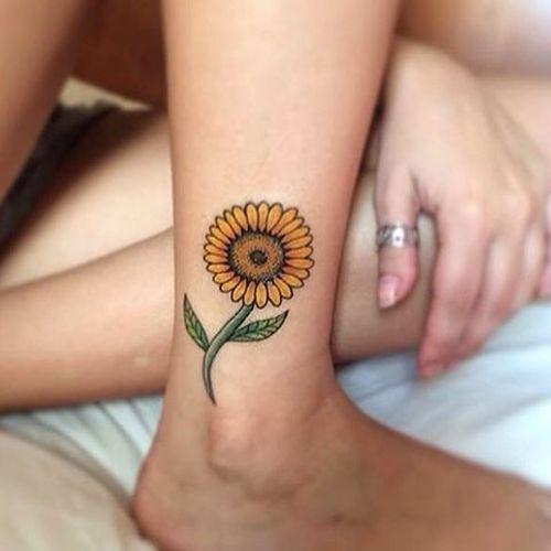 135+ Outstanding sunflower tattoos that will stunning around you