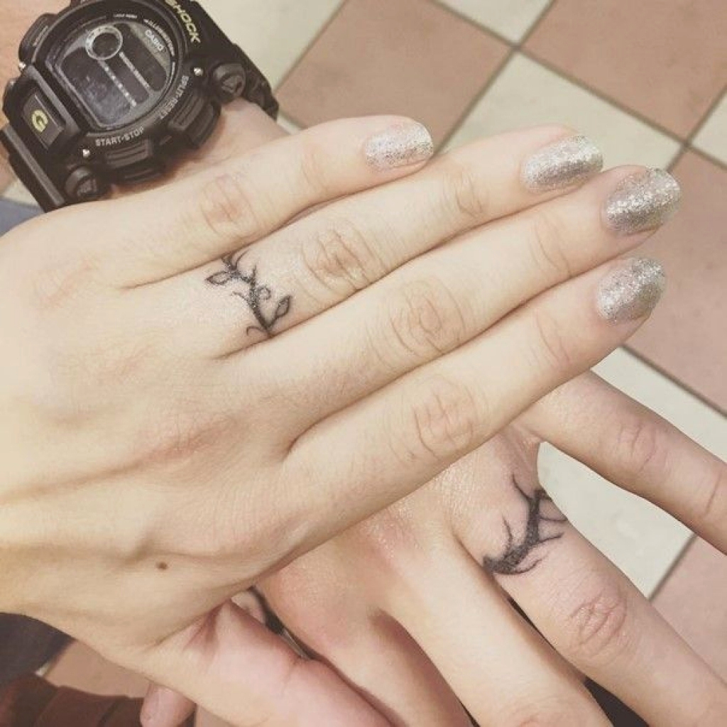 177+ Modern Ring Tattoos Their Explication and Best Positioning Ideas