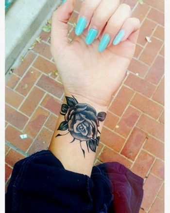 155+ Wrist Tattoos that are beautiful and inspiring ideas