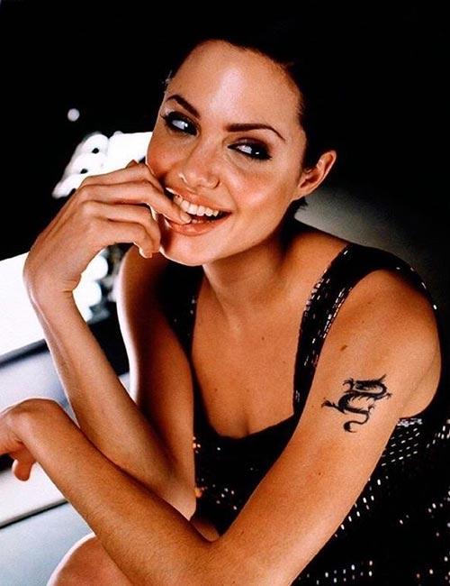 angelina-jolie-tattoo