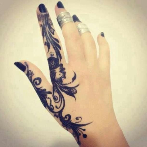 hand-tattoos-men