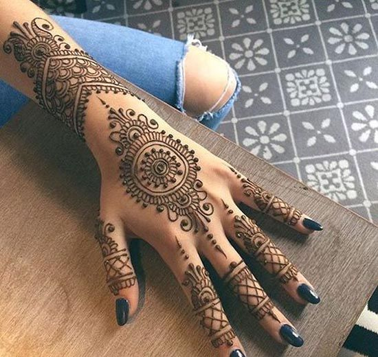 Artistic and Intricate Henna tattoo designs