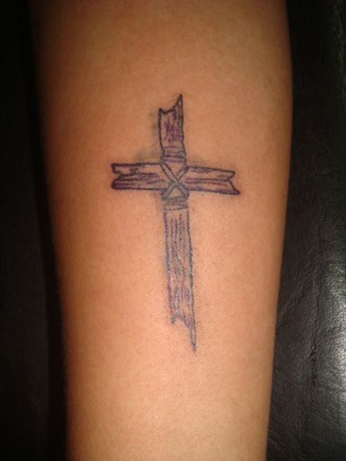 cross-tattoo-women