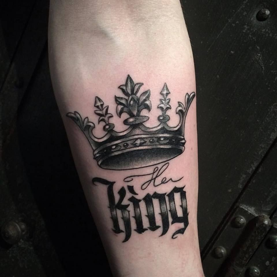 Get a Great and bold King Tattoo Design