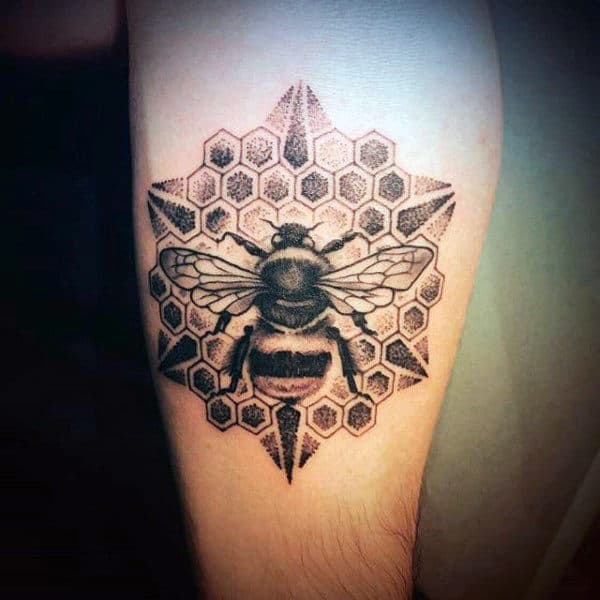 Bee Tattoo Designs – Things You Need to Know Before Getting One
